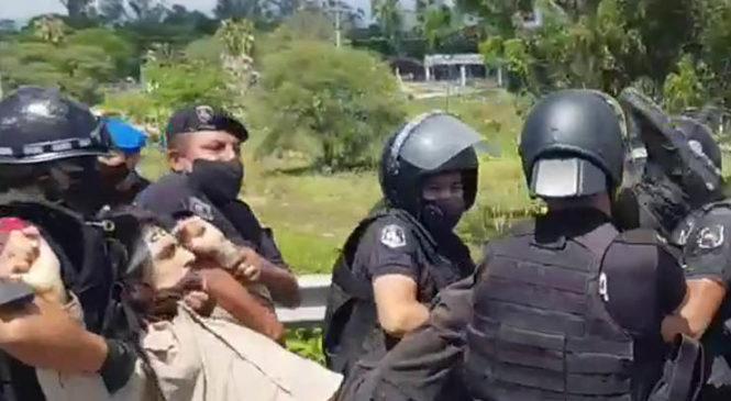 Violenta detención de dos referentes del SEOM Jujuy