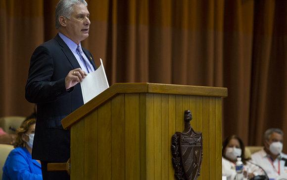 """Mucho de lo que acontece en Cuba tiene que ver con la necesidad de """"resolver"""""""