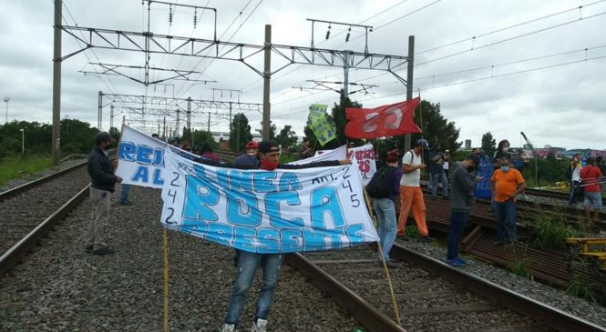 Ferroviarios despedidos logran un canal de diálogo con el Ministerio y la empresa