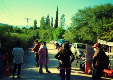 Catamarca: dos pobladores embestidos por un auto minero en Andalgalá