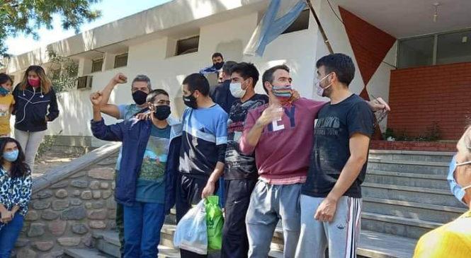 """Liberaron a asambleístas de Andalgalá: """"Finalmente podemos abrazarnos"""""""