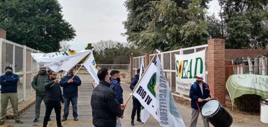 Dánica pidió vía libre para despedir, Aceiteros reclamó que demuestre la crisis y Trabajo volvió a convocarlos el próximo viernes