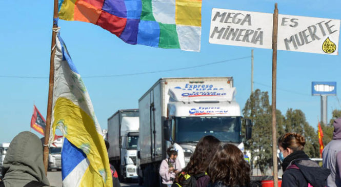 "Chubut: Repudio tras ""vergonzosa sesión legislativa"" que rechazó la Iniciativa Popular"