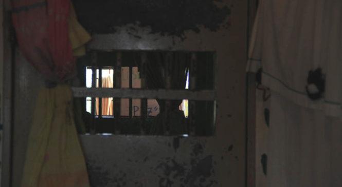 Los Hornos: La justicia clausuró las celdas de aislamiento y ordenó readecuar el pabellón para personas trans