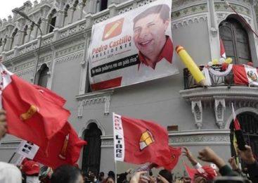 Con más del 97% de actas procesadas Pedro Castillo sigue liderando la elección presidencial de Perú