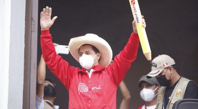 Con el 99,79% de actas procesadas Pedro Castillo lidera las elecciones en Perú