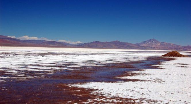 Proyecto de explotación del litio en norte de Chile genera oposición de comunidades Colla