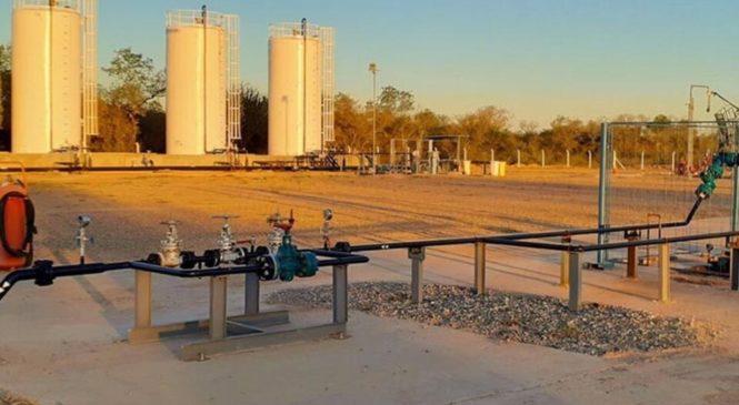 """Cortan la ruta 81 pidiendo acceso a agua potable: """"Seguimos en la pobreza mientras se llevan el petróleo"""""""