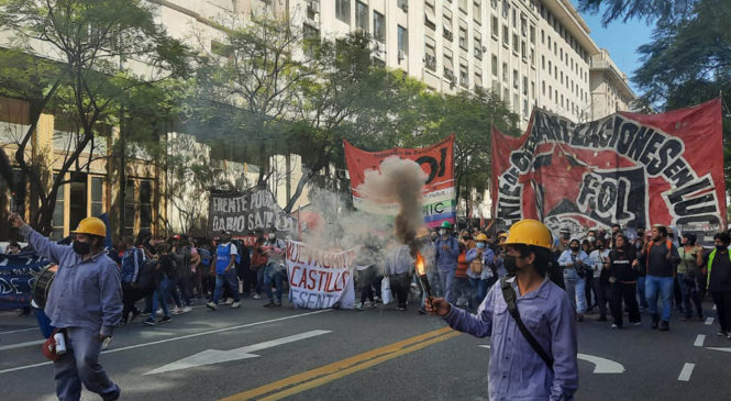 """Panorama político-sindical: """"Las PASO y la crisis institucional no detuvieron la lucha de los trabajadores"""""""