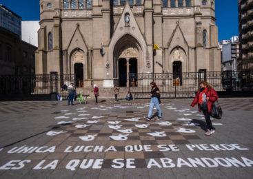 Restauraron los pañuelos que habían sido vandalizados en Mar del Plata
