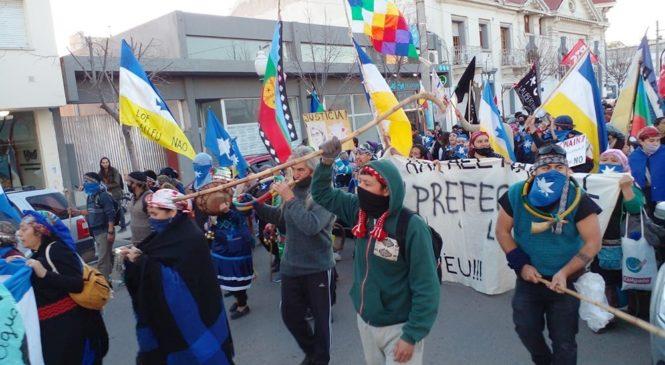 Trelew: Se realizó movilización mapuche-tehuelche contra la megaminería