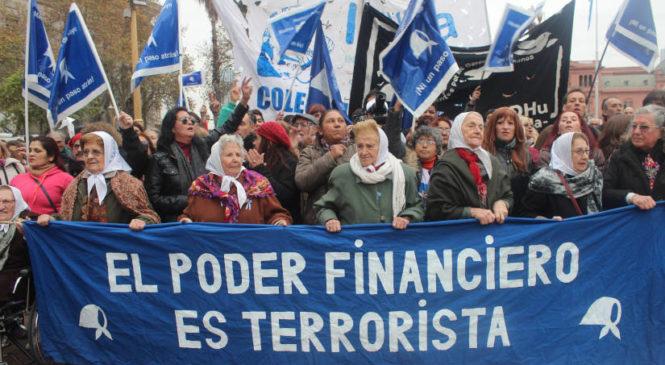 """Madres de Plaza de Mayo marcha este 17 de octubre """"por el no pago a la deuda"""""""