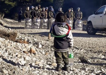 El Pueblo Mapuche resiste la avanzada de jueces, fiscales y empresarios